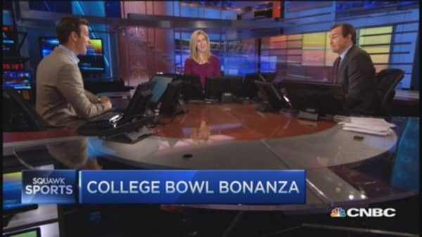 Cashing in on college bowl bonanza