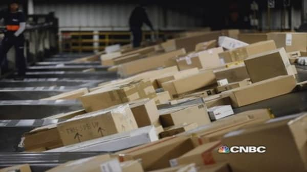 FedEx hikes shipping rates by 5%
