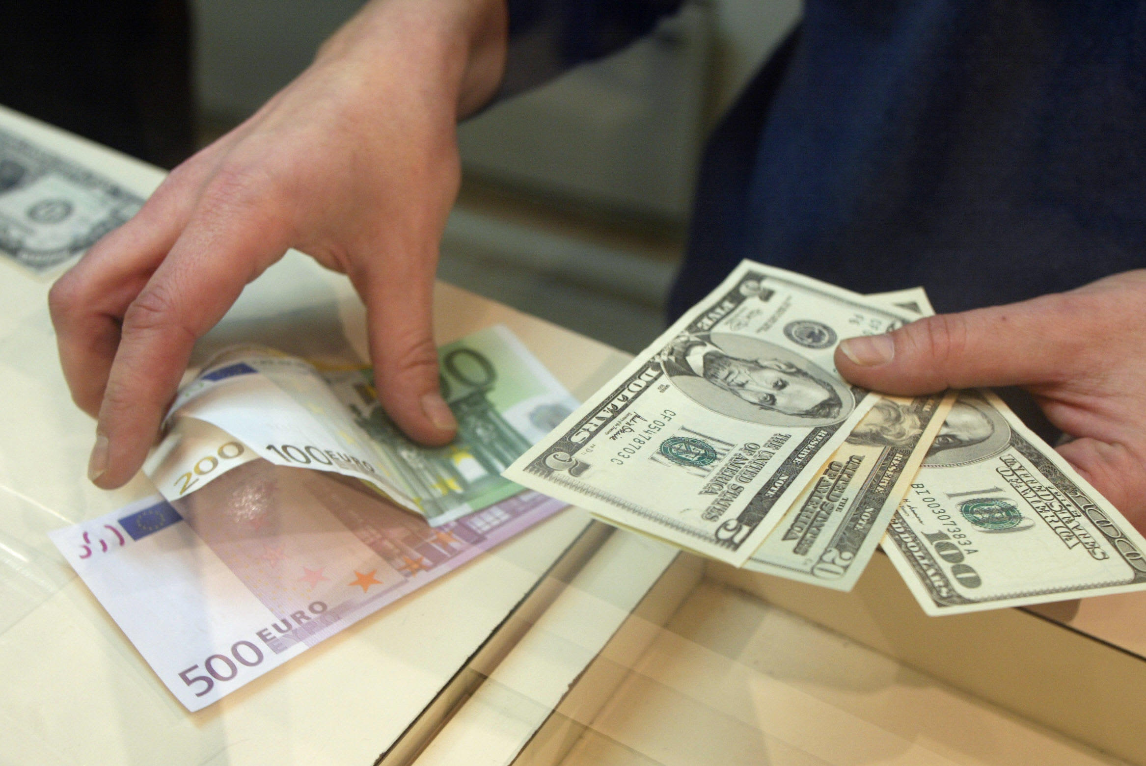 Dollar Euro Parity What A One To One Exchange Means
