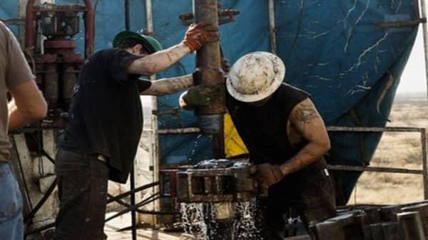 Oil falls below $50