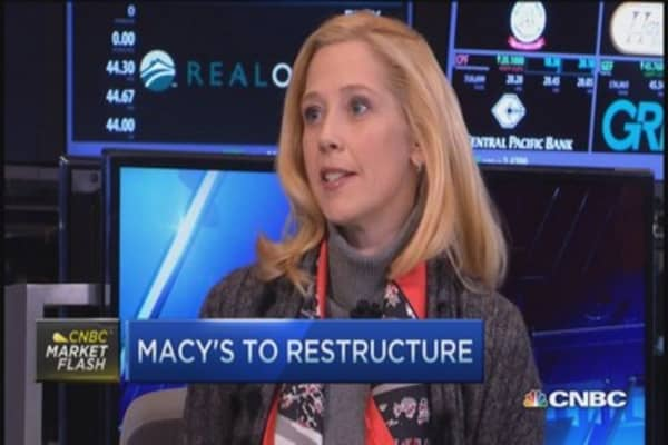 Macy's to restructure