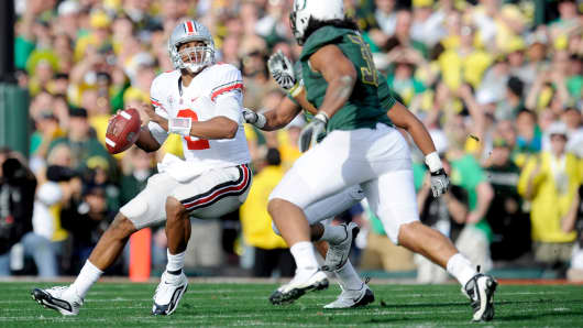 The Ohio State Buckeyes play against the Oregon Ducks.