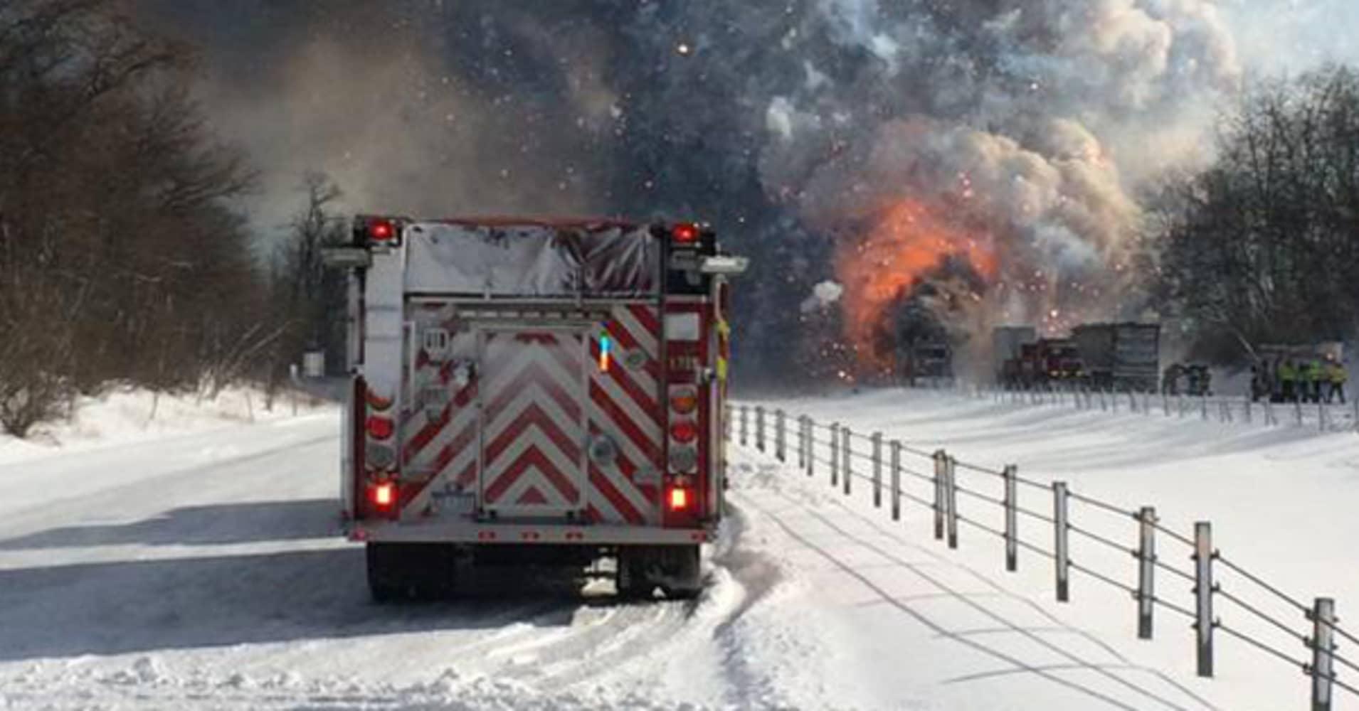 Mass evacuation after 150-plus car pileup in Michigan