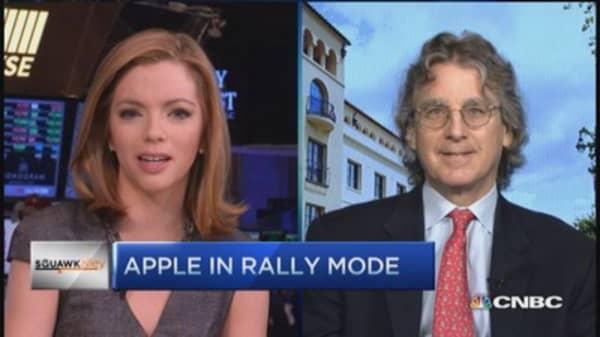 McNamee: Apple amazingly cheap