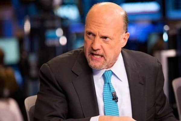 Cramer: Market in weird place