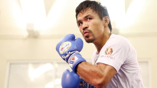Manny Pacquiao trains during a workout session at The Venetian Macao, Nov. 20, 2014.