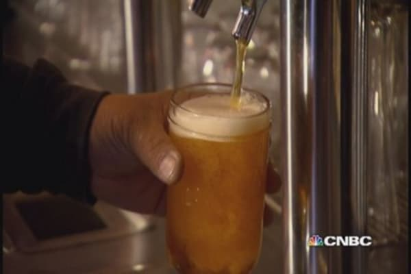 Craft beer CEO Sues, then says sorry