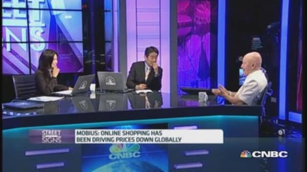 Not worried about inflation in EMs: Mobius