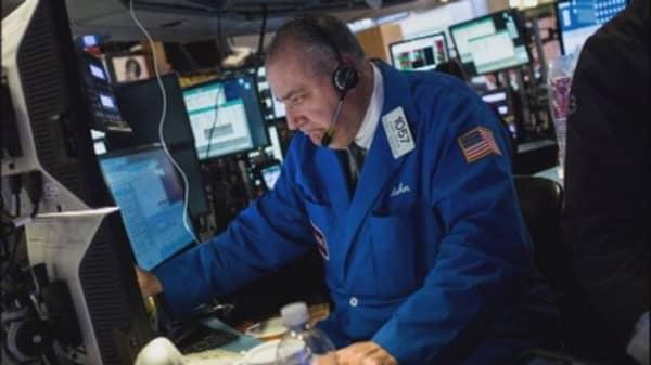 Wall Street tries to break losing streak