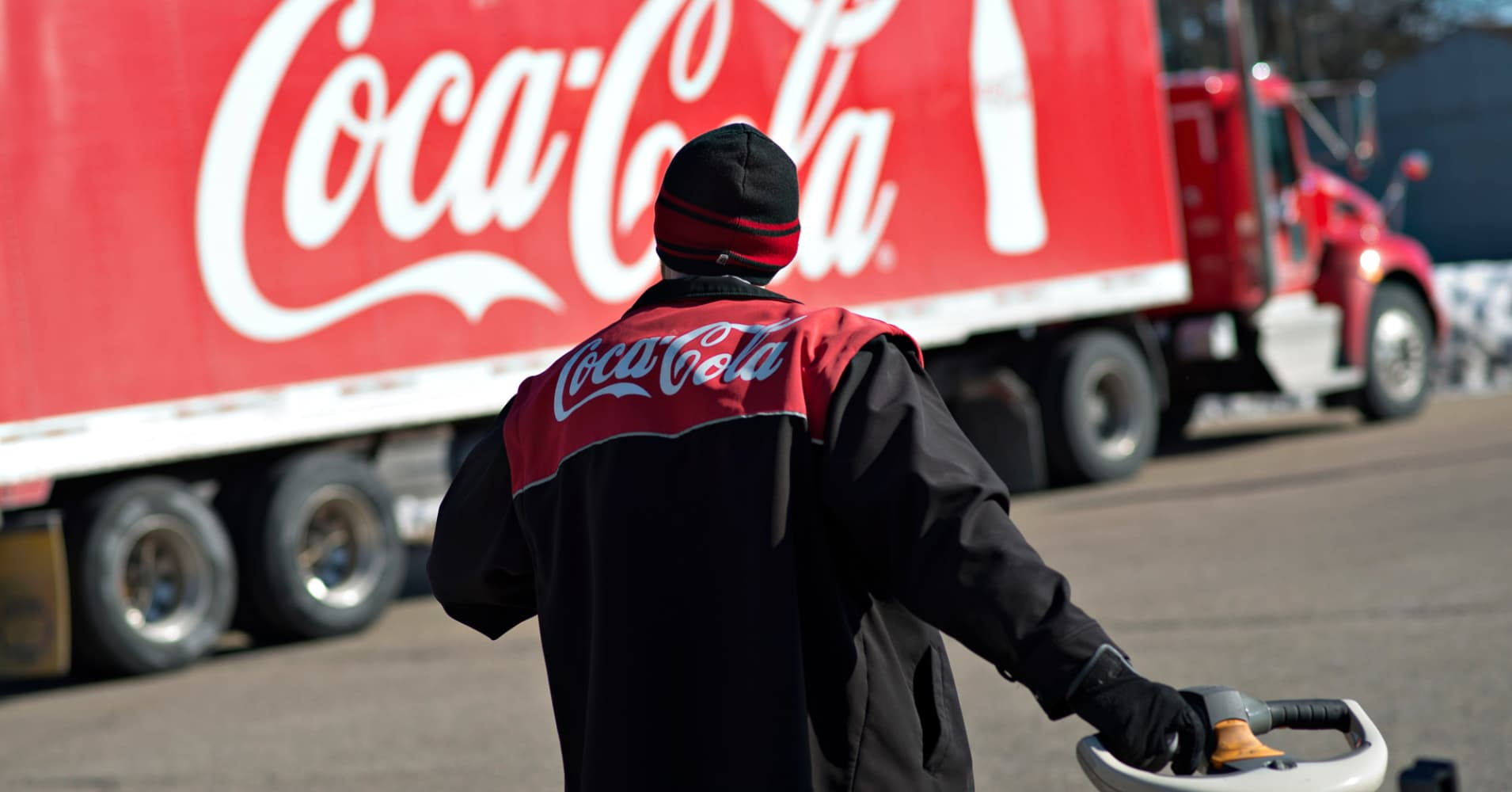 If you invested $1,000 in Coca-Cola 10 years ago, here's how much you'd have now
