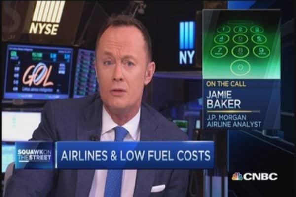 Airline investors pocketing fuel savings: Analyst