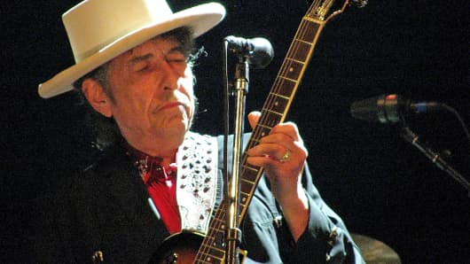 Bob Dylan performs at The Dell Diamond in Round Rock, Texas, Aug. 4, 2009.