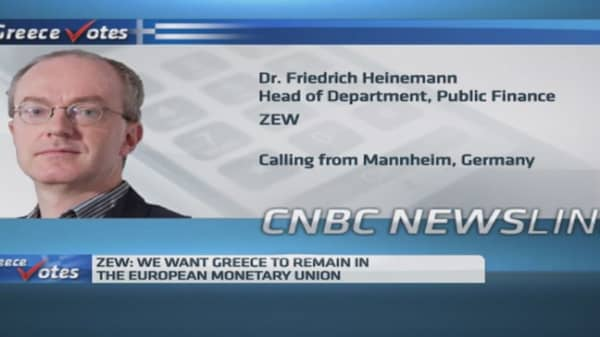 Greece could default, Europe wouldn't collapse: ZEW