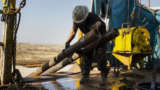 Crude Oil Firms on Bigger-than-Expected API Draw