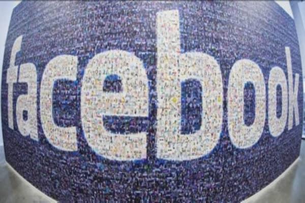 Facebook investors focus on ad revenue