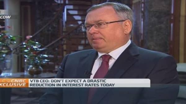EU waging 'economic war' on Russia: Bank boss