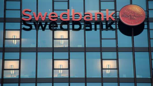 Swedbank Q2 net profit beats forecast