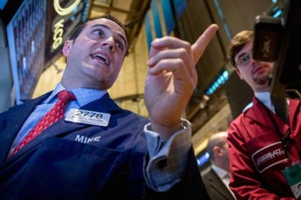 Wall Street looks to go 3 in a row