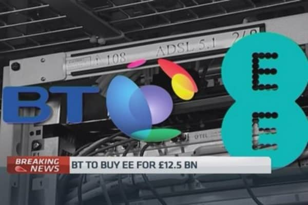 BT agrees Tto buy EE