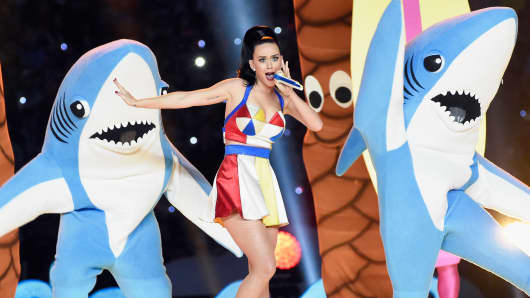 Recording artist Katy Perry performs during the Pepsi Super Bowl XLIX Halftime Show on February 1, 2015 in Glendale, Arizona.