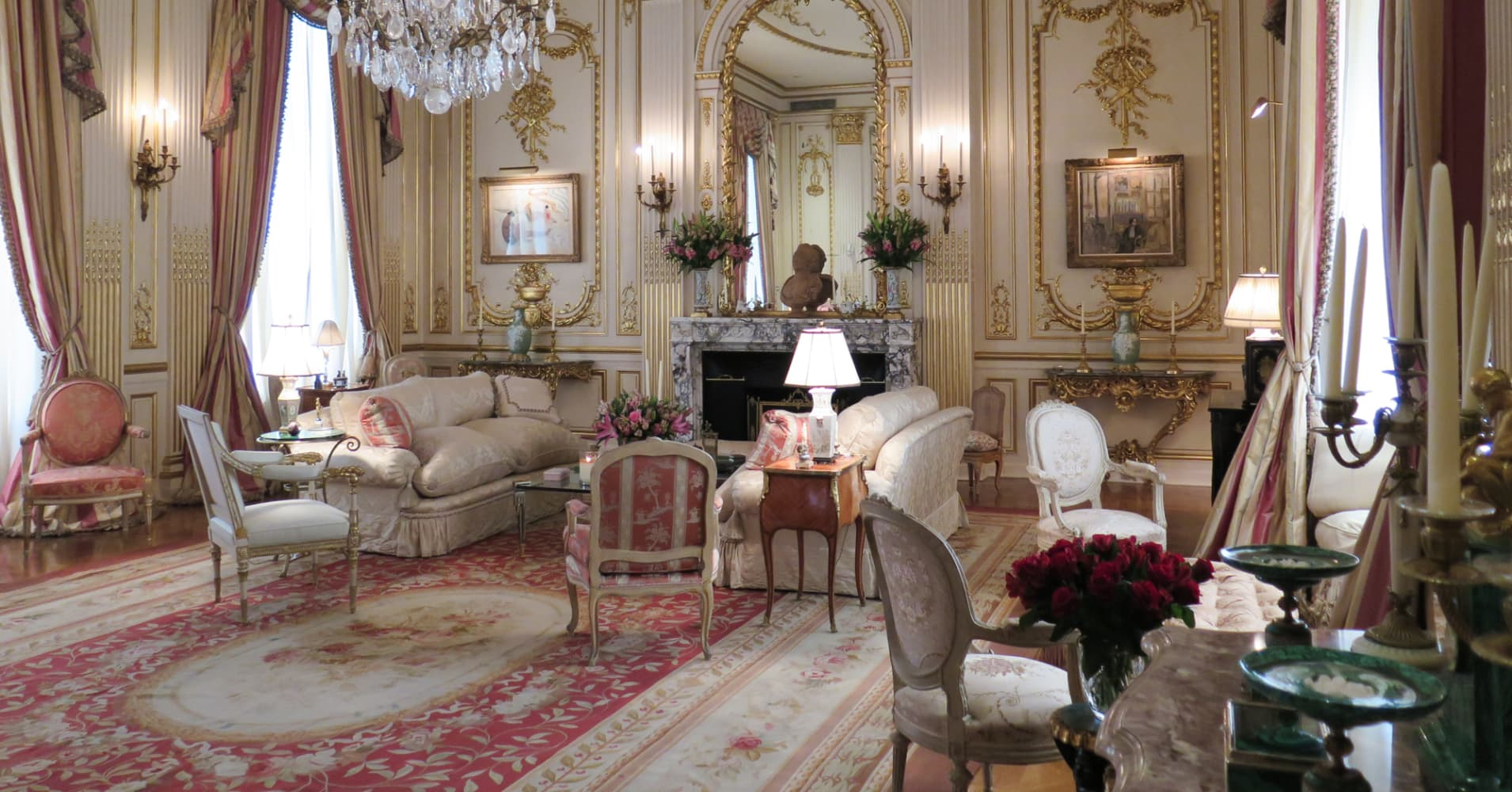 Joan Rivers Apartment joan rivers' apartment sold to middle east royalty