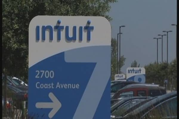 Intuit halts state filings on fraud concerns