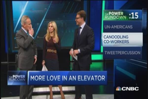 Power Rundown: Un-Americans & canoodling