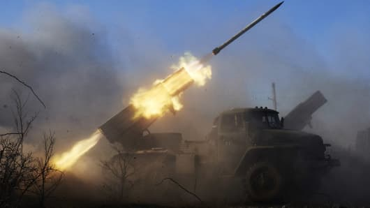 Pro Russian rebels fire grad rockets on Ukrainian positions in Debaltseve, Ukraine