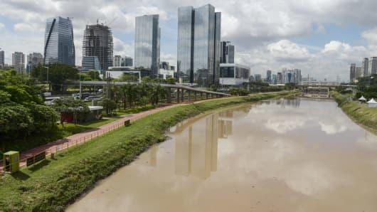 Sao Paulo, Brazil skyline and Pinheiros River