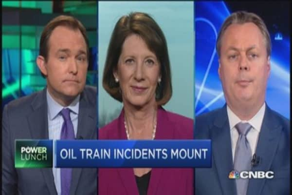 Oil pipelines safer than trains?