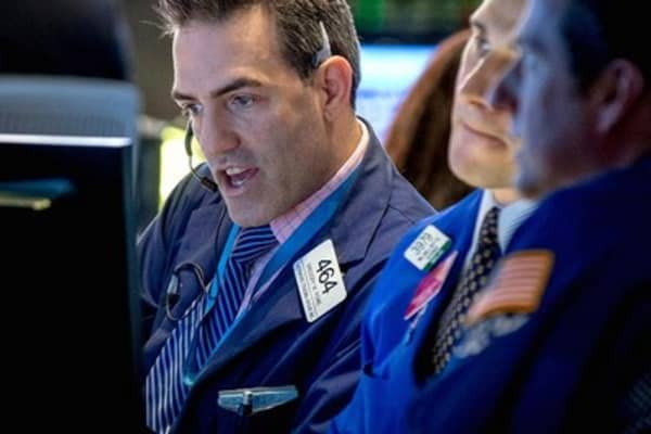 Stocks look to extend Tuesday gains