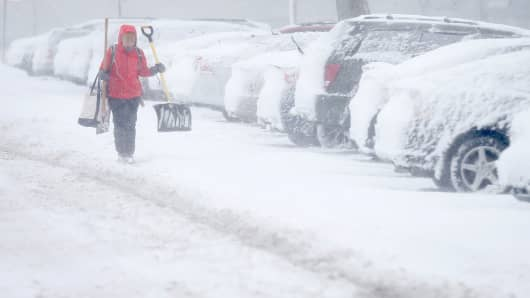 Snowstorm Hits Midwest Affecting Travel And Politics