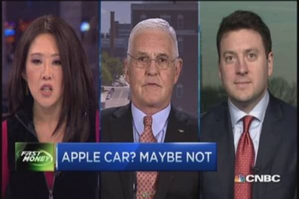 Apple car an enormous capital commit: Lutz