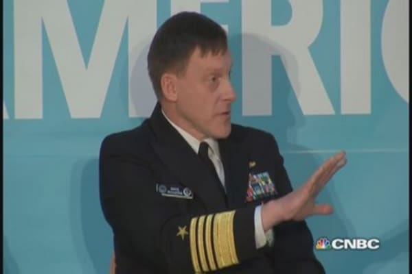 Yahoo security officer confronts NSA director
