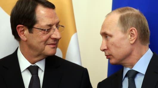 Russian President Vladimir Putin and Cyprus President Nicos Anastasiades