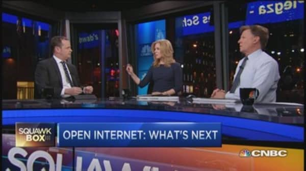 FCC ruling classifies Internet public utility