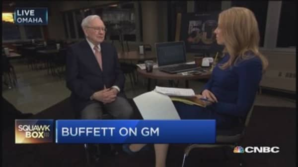 Buffett: Mary Barra right for GM