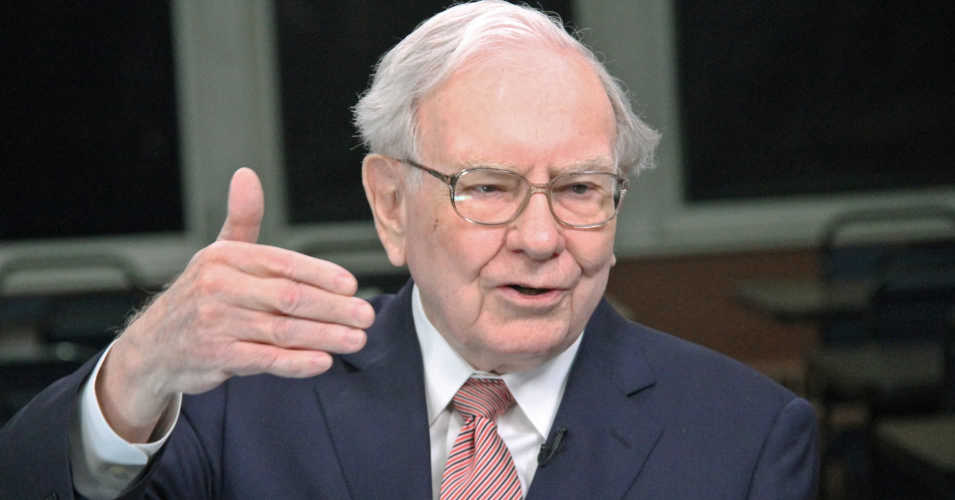 how to contact warren buffett