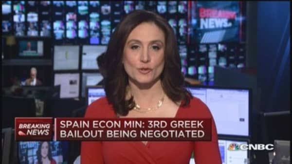 Spain Econ. Min: 3rd Greek bailout being negotiated