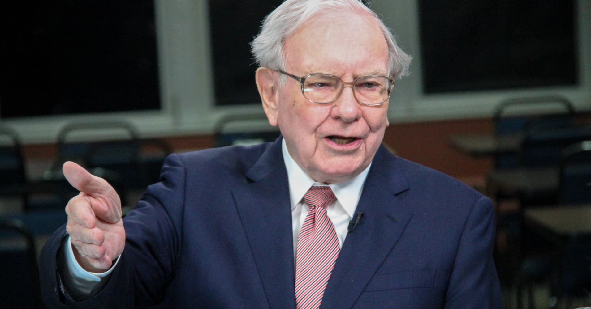 two main points to look for in warren buffetts annual shareholder letter
