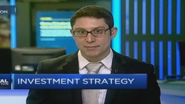 As Wall Street rises, US traders venture overseas?