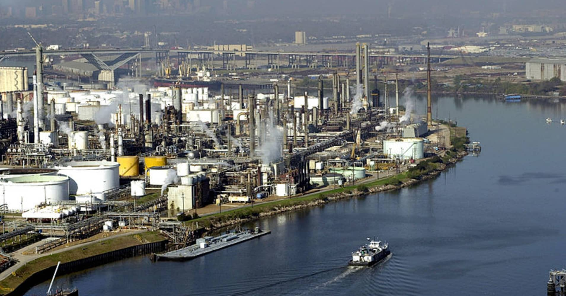 US exports outpaced imports of oil products last week for second time