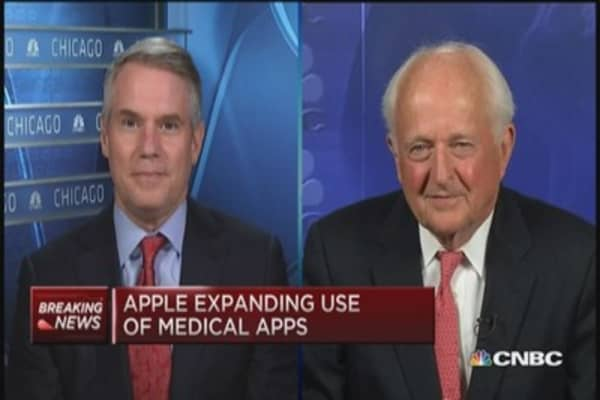 These two pros own Apple