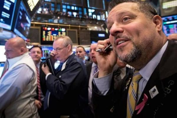 Wall Street poised to continue back-and-forth action