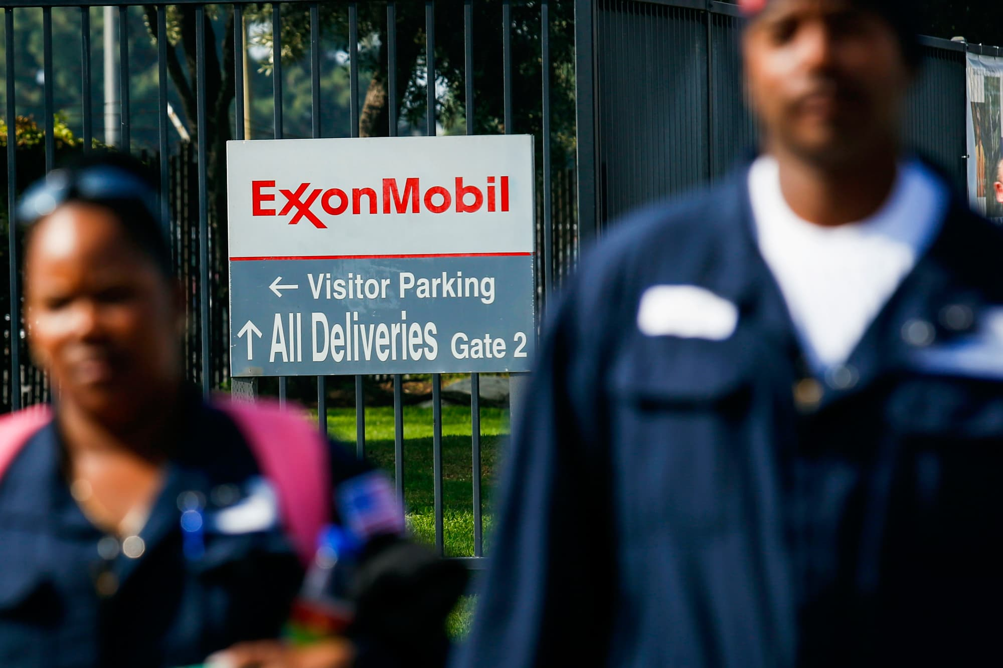 Exxon mobil shares fall as profits double but fall short expectations buycottarizona Gallery