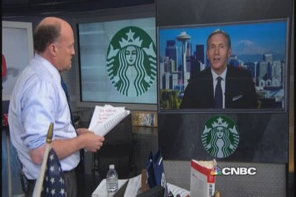 Starbucks CEO to Cramer on controversial 'Race Together' campaign
