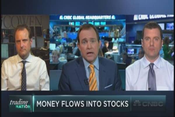Money pours into the market
