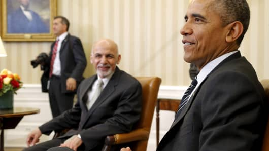 President Barack Obama meets with Afghanistan's President Ashraf Ghani in the Oval Office, March 24, 2015.