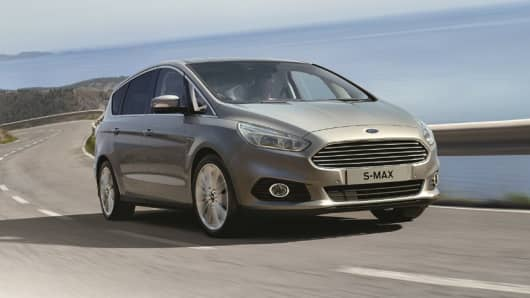 Ford S-Max offers Intelligent Speed Limiter