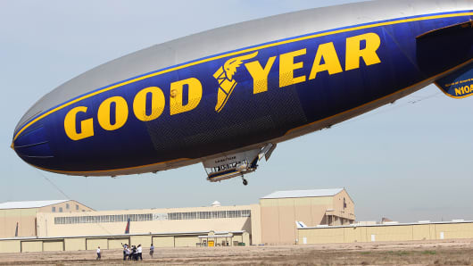 It takes a minimum of fifteen people to launch and land a blimp.
